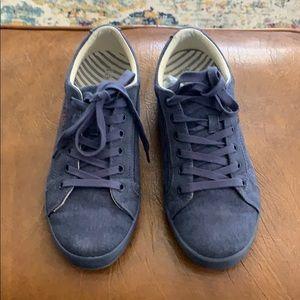 Taos canvas denim sneaker. Women's size 9.